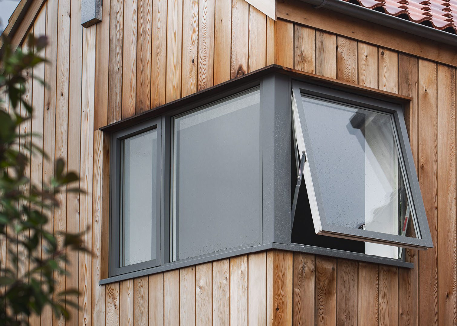 Westcoast Windows supply Swedish composite windows for a new exclusive complex of homes at the Dial House in Norfolk, working with partners Aluminium Clad Windows by TWN