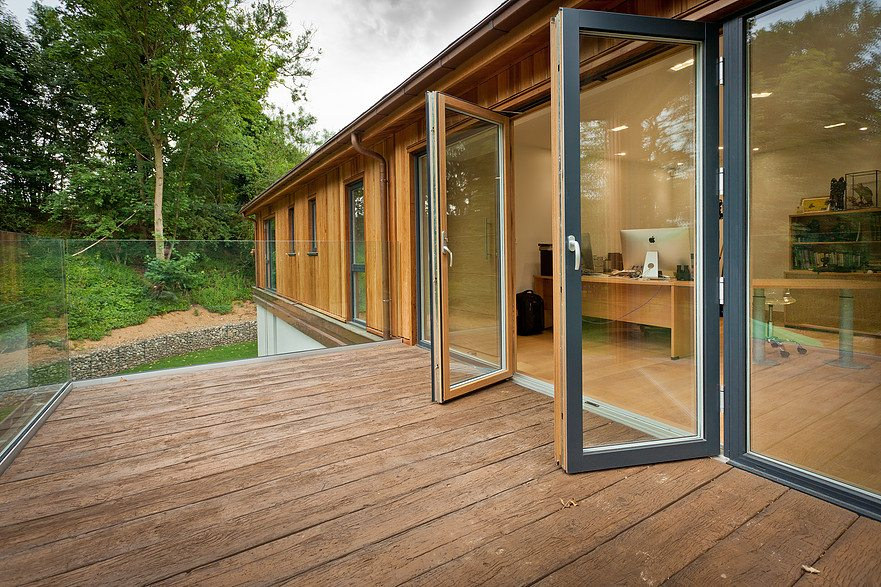 How wood and thermal comfort with can help to improve wellbeing in the workplace – Westcoast Windows Swedish composite windows can provide the ideal workplace glazing solution