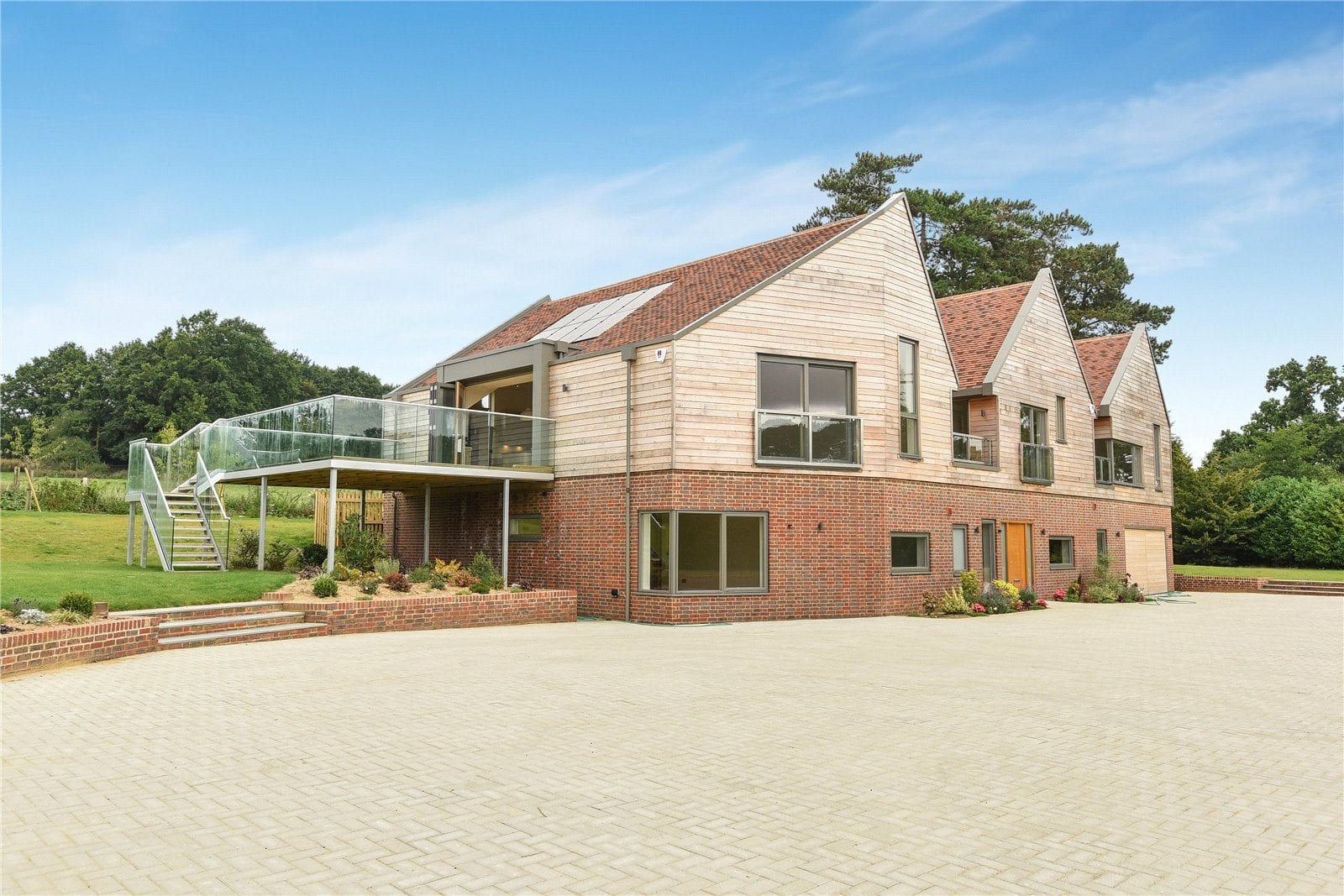 Westcoast Windows supply their Swedish designed and manufactured composite windows for contemporary home in the South Downs