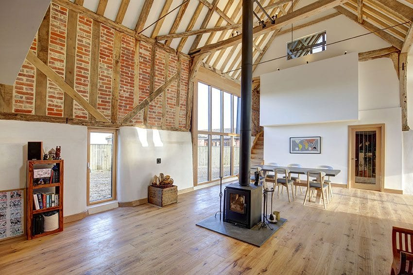 Planning rule change allows more homes from farm building conversions under permitted development rights – Swedish composite windows are the ideal glazing solution for your farm building or barn conversion project